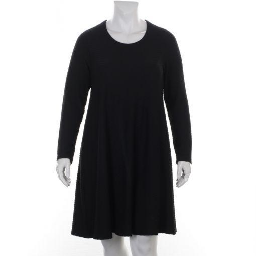 Aino zwarte jurk met reliefprint