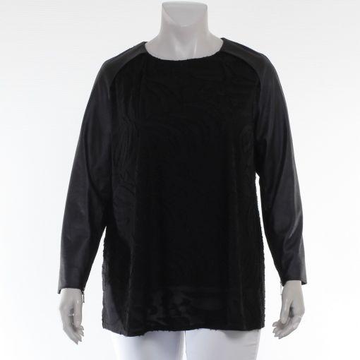 Que zwart shirt met reliefprint en kunstleren mouwen
