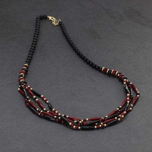 Lange ketting rood zwarte kralen