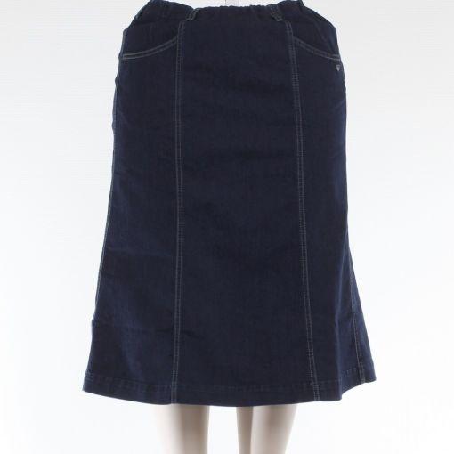 Laurie blauwe spijkerrok gerend model
