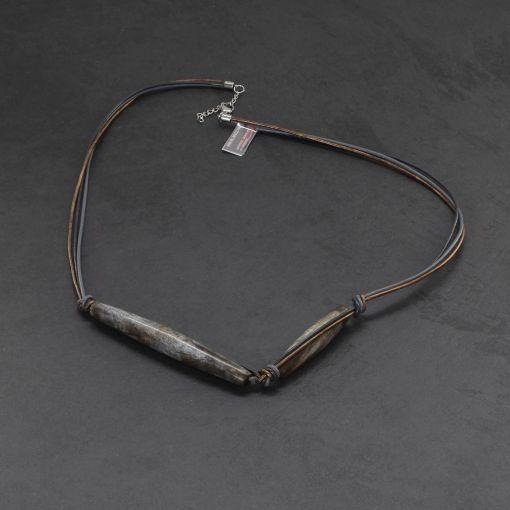 Leren ketting met lange steen grijs brons