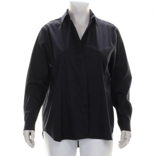 Mat zwarte blouse met blinde knoopsluiting