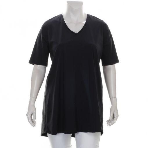 Only-M zwart travelstof shirt met v-hals