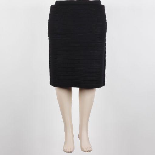 Request zwarte fijn gebreide rok