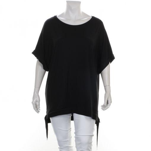 Mat zwart shirt met koordjes